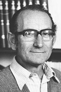 César Milstein, biólogo argentino nacionalizado británico, recibió el reconocimiento en 1984 por su trabajo sobre anticuerpos. Milstein estudió las inmunoglobulinas y adelantó el entendimiento del proceso por el cual la sangre produce anticuerpos.