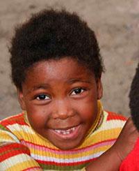 Smiley_African_girl_493k