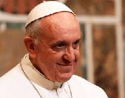 Su Santidad el Papa Francisco, jefe de Estado y soberano del Estado de la Ciudad del Vaticano.