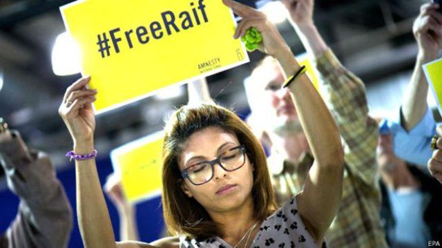 Ensaf Haidar, la esposa del bloguero Raif Badawi, sigue luchando por su liberación desde Canadá.